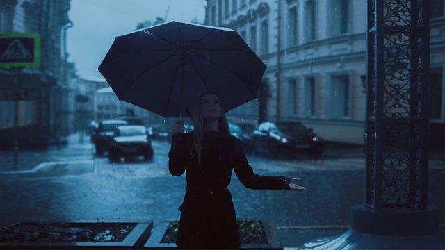 Jak miasta wspierają łapanie deszczówki? Dofinansowania na małą retencję – Kraków, Sopot i Wrocław