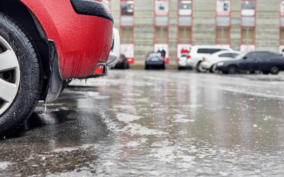 Separator substancji ropopochodnych na parkingu – dlaczego warto?